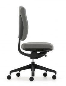 senator-sprint-chair-side